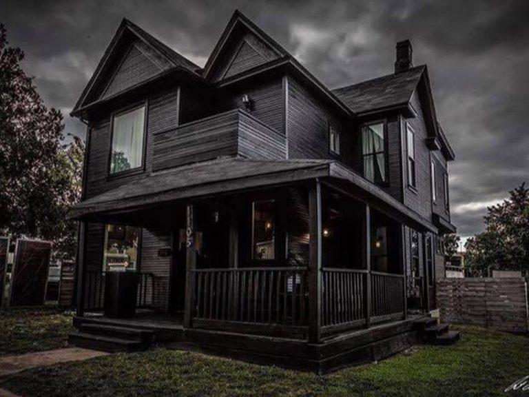 blackhouse1